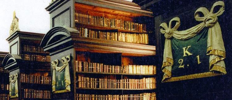 Marsh's Library shelving